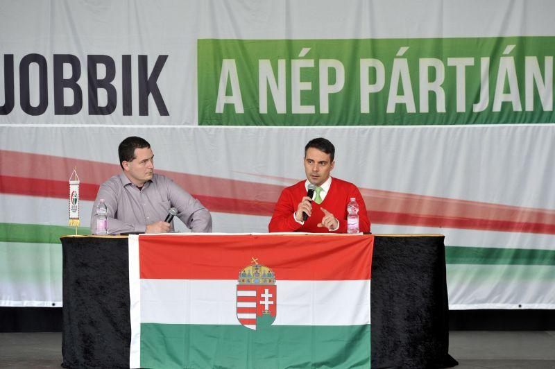 Egész nap válságtanácskozik a Jobbik: mi lesz most?