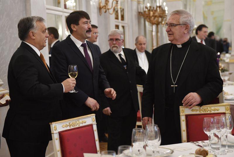 Áder János adventi ebéden fogadta a történelmi egyházak vezetőit