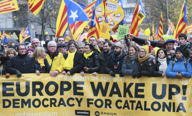 Közel 45 ezren tüntettek Katalónia függetlenségéért Brüsszelben