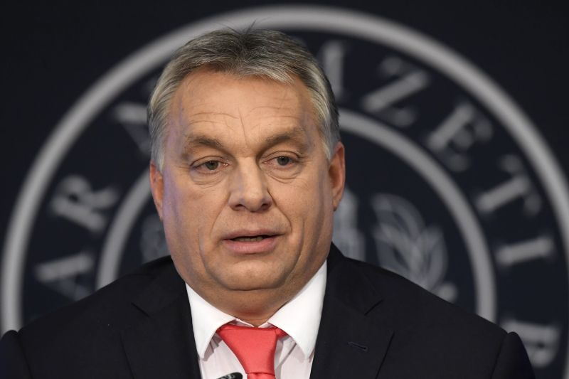 Orbán Viktor az Echo tévében meglobogtatta a hatpontos Soros-tervet