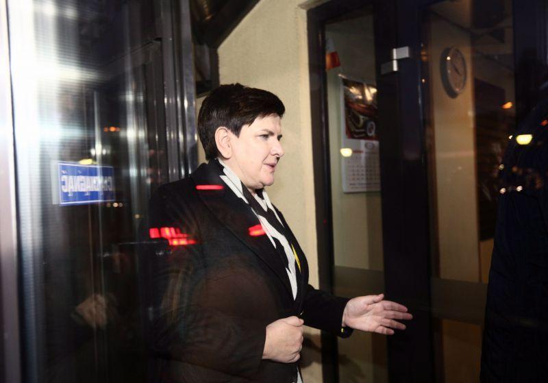 Lemondott a lengyel kormányfő, helyet cserél a helyettesével