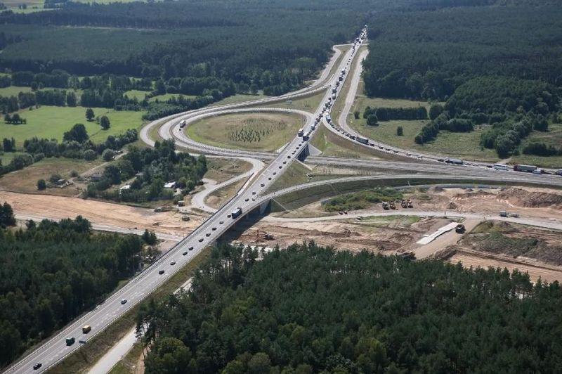 900 kilométer gyorsforgalmi út épül 2022-ig