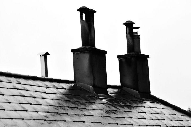 Rettenetes szennyezéssel fűtenek télen a magyar településeken