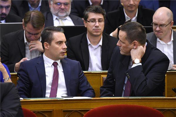 300 milliós tiltott pártfinanszírozással vádolja az ÁSZ a Jobbikot, a párt belengette, lehet, nem indulnak jövőra a választásokon