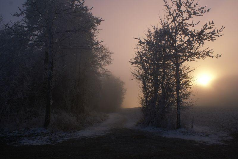 Útinform: Keszthely környékén jegesek az utak, több helyen köd nehezíti a haladást