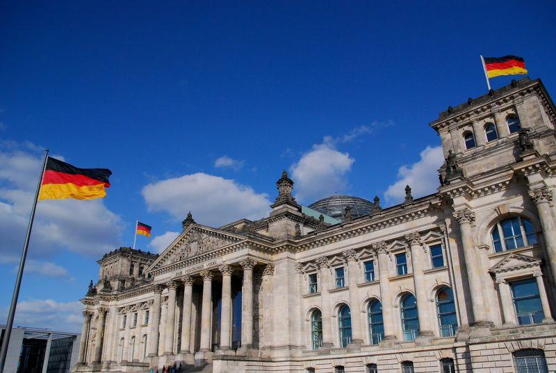 Leülnek tárgyalni a szocdemek Merkelékkel a kormányalakításról