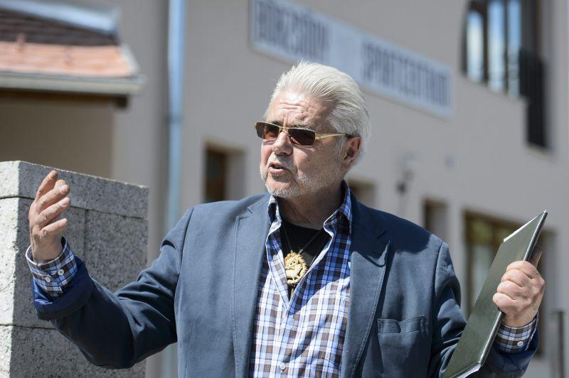 Oszter Sándor nagy bajba került: négy év és hét hónapra börtönbe küldené az ügyész