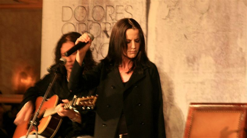 Meghalt a Cranberries énekesnője