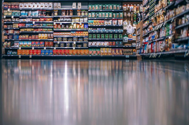 Nagy harc lesz a fizetésekben az áruházláncoknál?