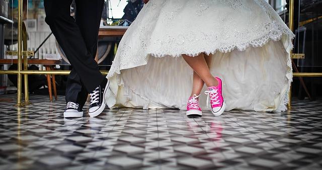 Az idén is lehet igényelni az első házasok adókedvezményét