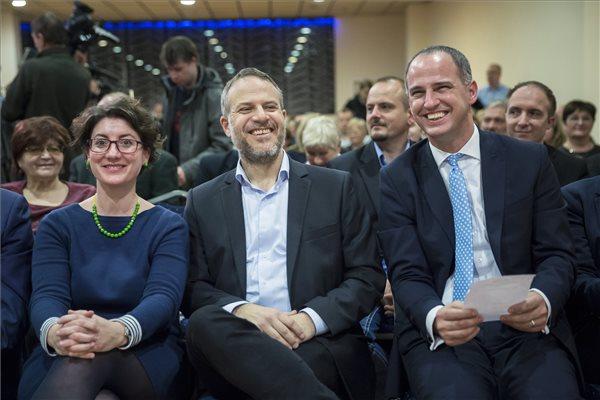 Ő lesz Orbán kihivója az Együtt színeiben