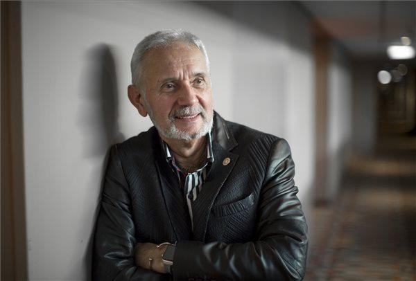 Pro Cultura Hungarica díjat kapott Endrész László cirkuszművész, az Egyesült Királyság leghíresebb cirkuszának igazgatója