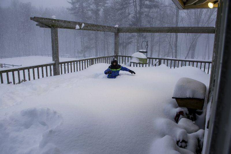 Havazás és hófúvás miatt adtak ki riasztást több megyére