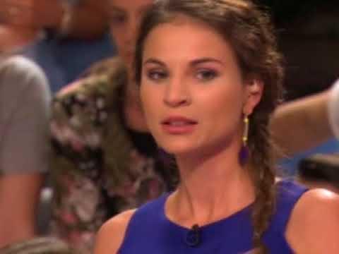 Nádai Anikó kék bikinis képpel hergeli fagyoskodó rajongóit