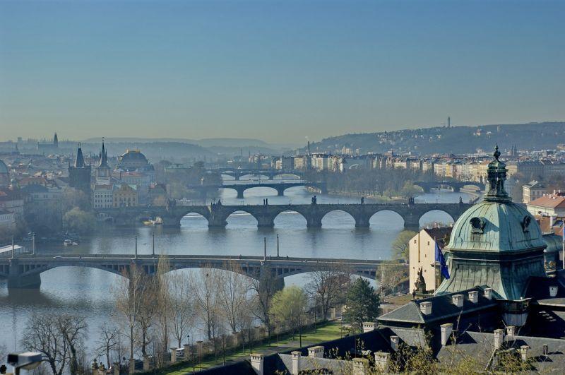 Szoros második kör várható a cseh elnökválasztáson