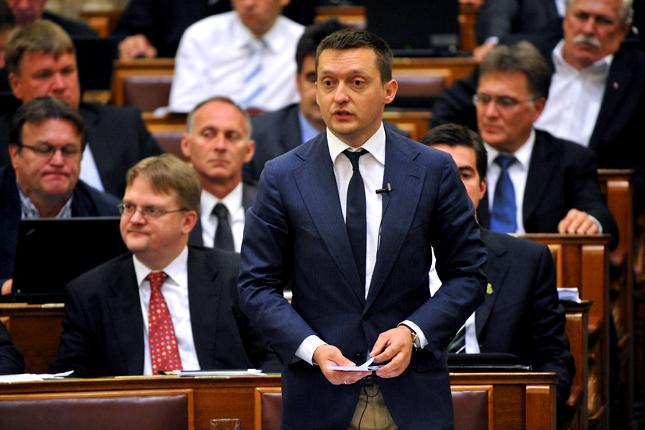 Rogán Antal szerint Soros az elsők között kaphat távoltartási végzést