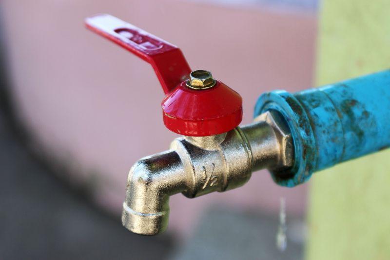Leállították az ukránok a vízszolgáltatást a szakadár Luhanszkban a tartozások miatt