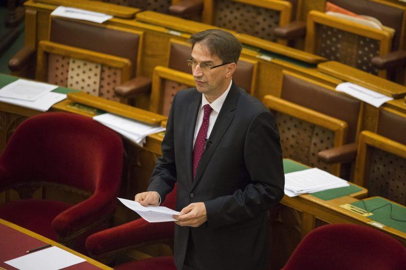 """Völner: az átláthatóságot szolgálja a regisztráció a """"Stop Soros"""" törvénycsomagban"""