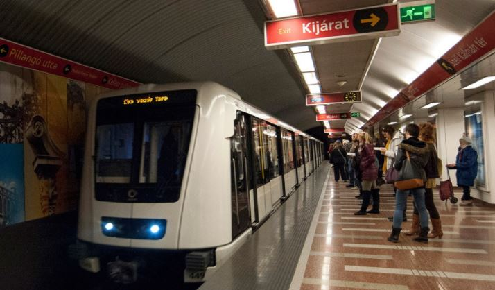 Újra jár a 2-es metró