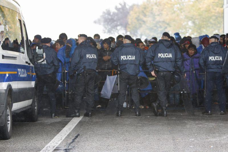 Sztrájkolnak a rendőrök Szlovéniában