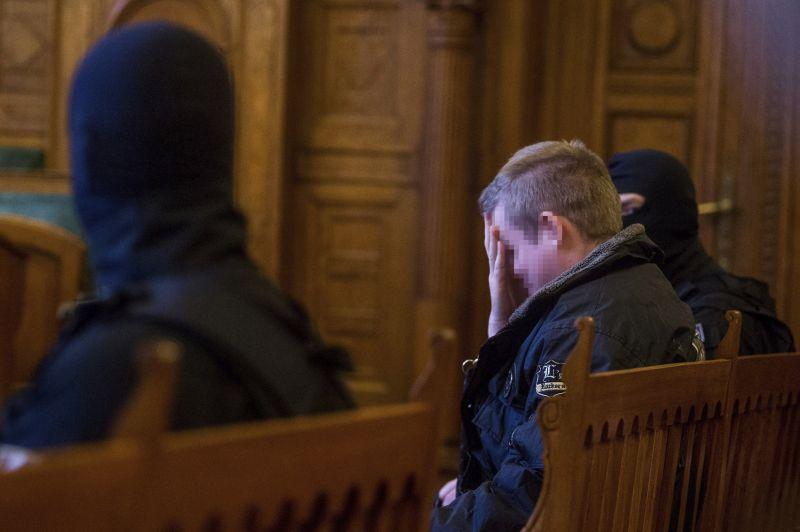 """""""Meddig tart?"""" – mindössze ennyit kérdezett a Teréz körúti robbantó a hétfői tárgyaláson"""