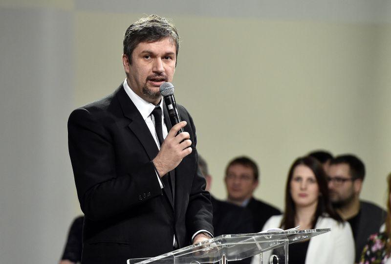 Fidesz: Hadházy távozzon a közéletből!