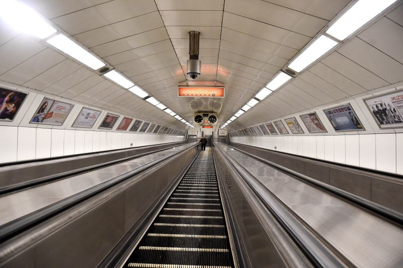 Ma reggeli metróleállás: pipa!