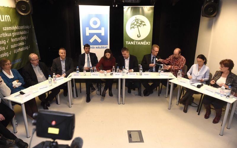A DK felszólította az államot, hogy emelje negyvenezer ember nyugdíját