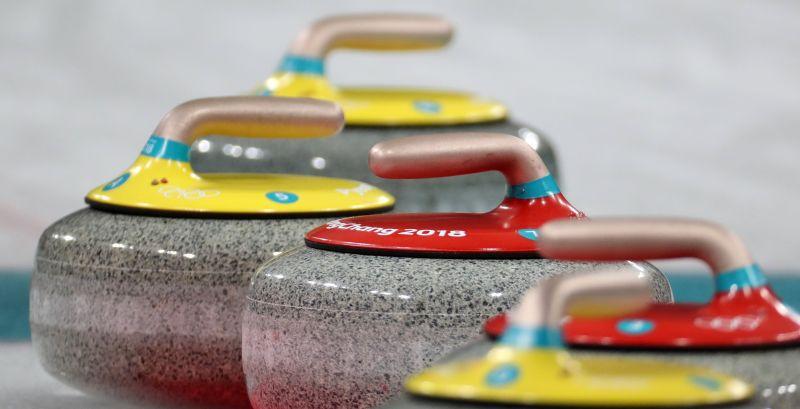 Svéd – dél-koreai döntő lesz női curlingben