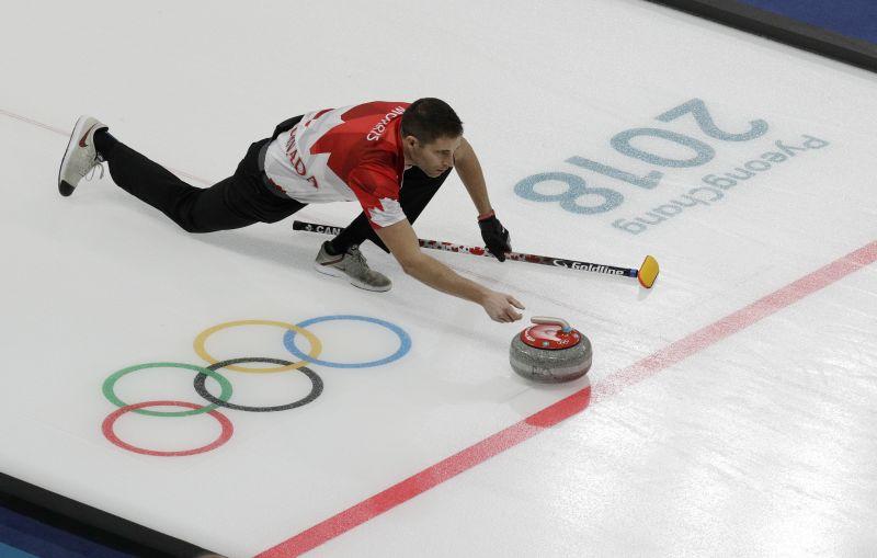 Svájc lesz Kanada ellenfele a curling vegyespáros döntőjében