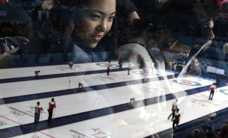 A svéd férfiak is elveszítették veretlenségüket curlingben