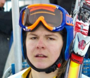 Egy hónapja műtötték, most már terhelheti térdét Miklós Edit alpesi síző