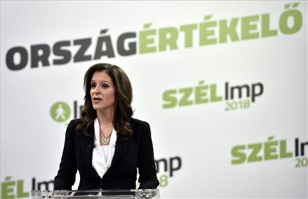 """Szél Bernadett: a helyi fideszes képviselők a """"korrupciós gépezet helytartói"""""""