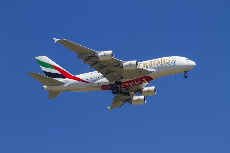 Meghalt egy stewardess, aki kiesett egy repülőgép ajtaján
