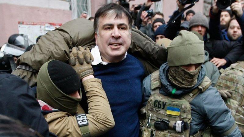 Fegyveres álarcosok elrabolták Szaakasvilit