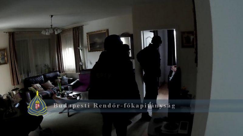 Egy zuglói ház pincéjében fogták el a Bocskai úti ékszerbolt rablóját