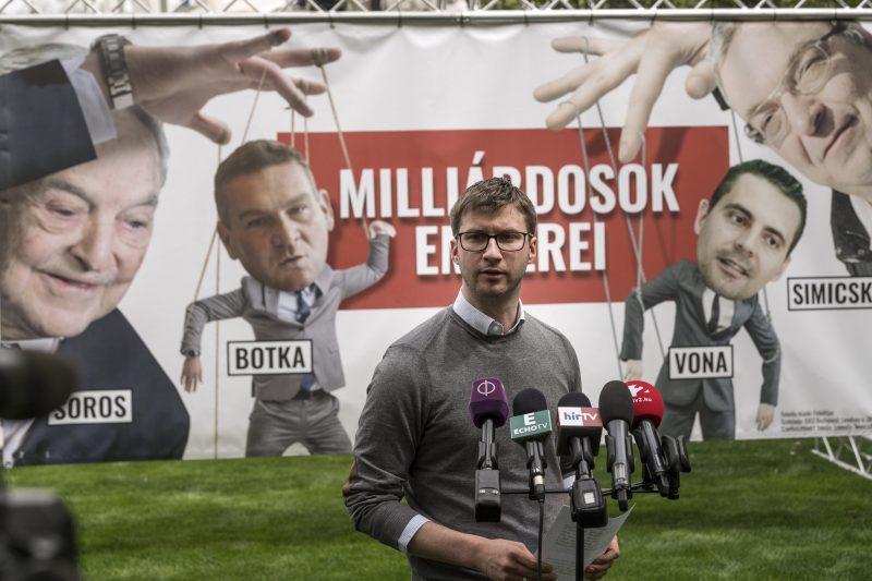 A közmédia szerint törvényesen járt el a Fidesz a plakátügyben