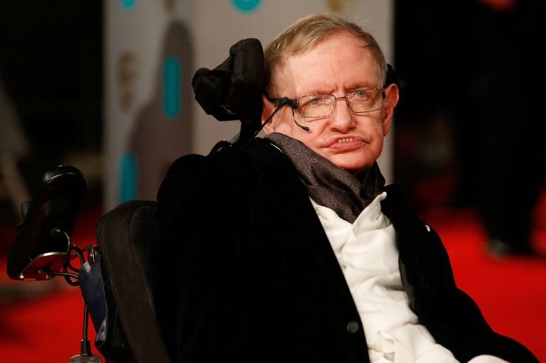 Meghalt Stephen Hawking világhírű fizikus