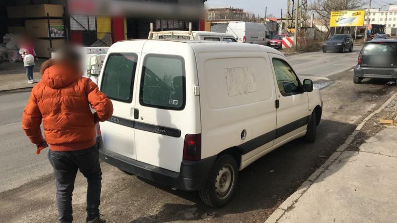 Embercsempészt fogtak Budapesten