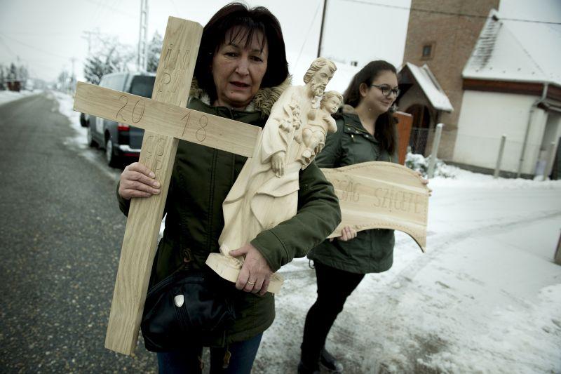 Fotók! Elindultak a zarándokok Ferenc pápához
