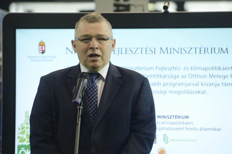 1,2 milliárd forint parkol a fideszes államtitkár offshore-számláján