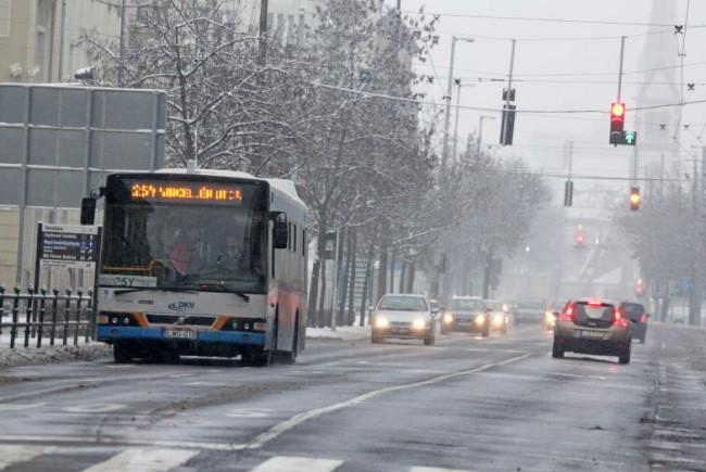 Debrecenben már gyakorlatilag leállt a villamosközlekedés az ónos eső miatt