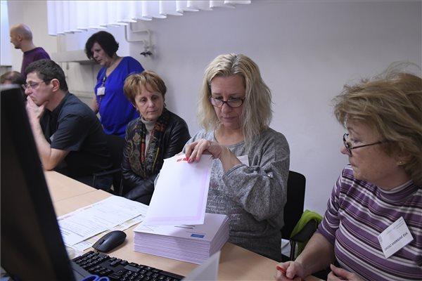 A levélszavazatok 80-85 százaléka érvényes a Nemzeti Választási Iroda szerint