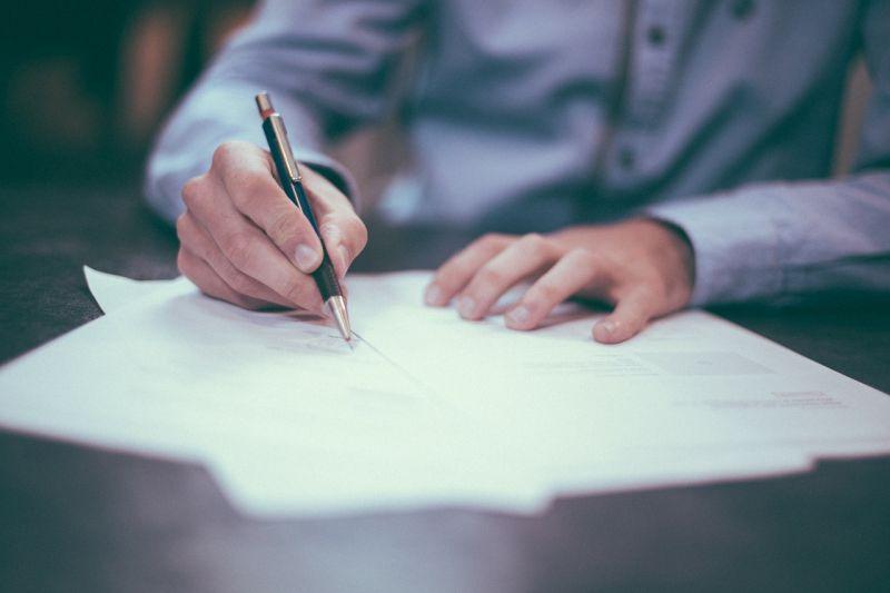 Feljelentés: 849 aláírást hamisítottak meg a tapolcai fideszes jelölt ajánlóívein