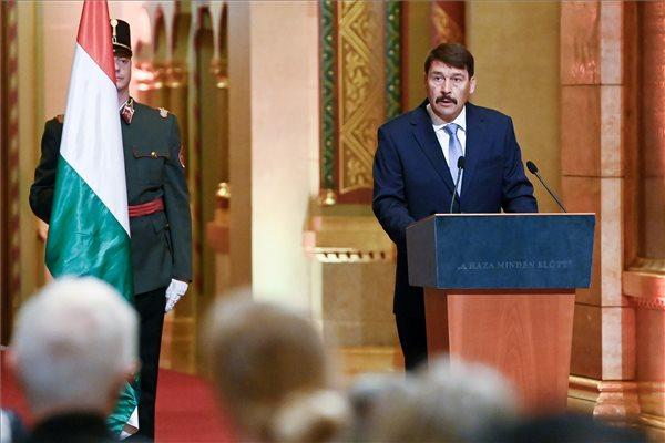 Átadták a Kossuth- és Széchenyi-díjakat, itt a teljes névsor