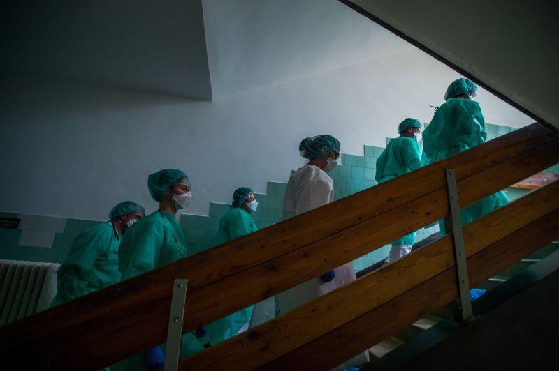 Bár az az operatív törzs nem emelte ki reggel, de harmadik napja emelkedik az aktív fertőzöttek száma