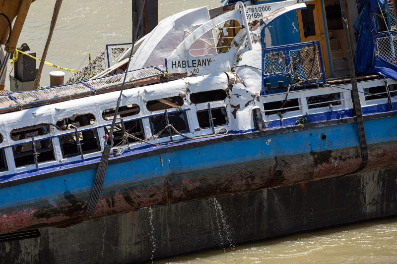 """TEK: """"lehetnek még áldozatok a hajóroncsban"""" – A koreai fél képviselői nem mehettek be a Hableány belsejébe"""