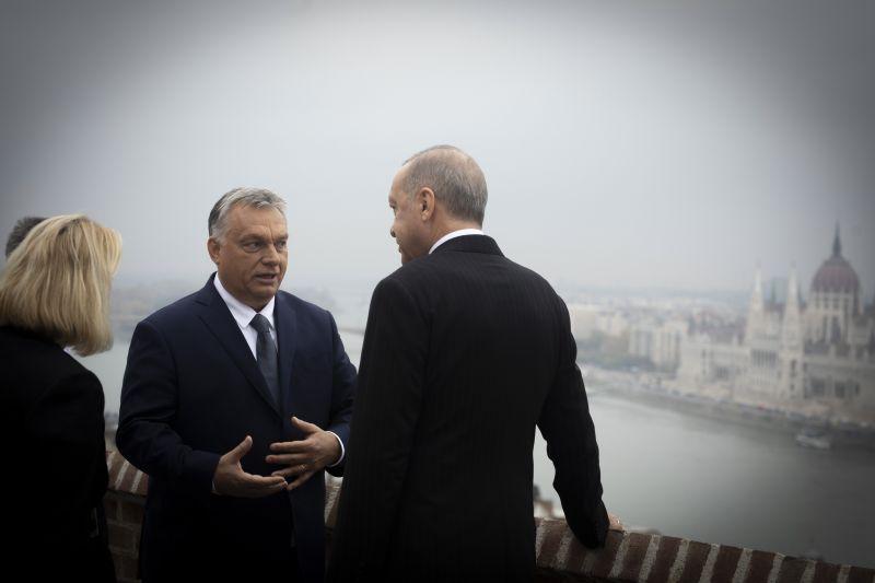 """Orbán: az ellenzék továbbra is """"diktatúrásdit"""" játszik"""