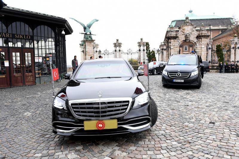 Megmagyarázta a rendőrség, hogy miért esett el Budapest közlekedése az Erdogan-Orbán találkozó délutánján