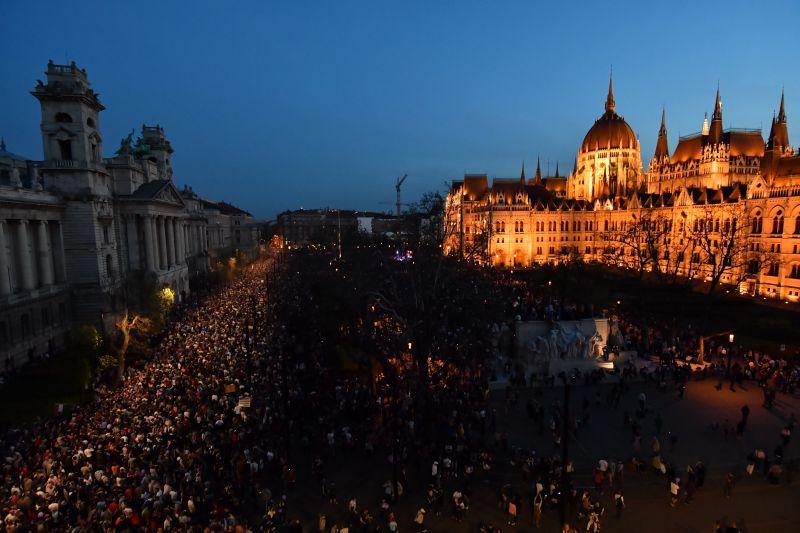 Új választást akarnak a tüntetők, jövő héten újabb demonstráció jöhet